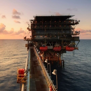 Oil & Gas Rig - Offshore Oil & Gas