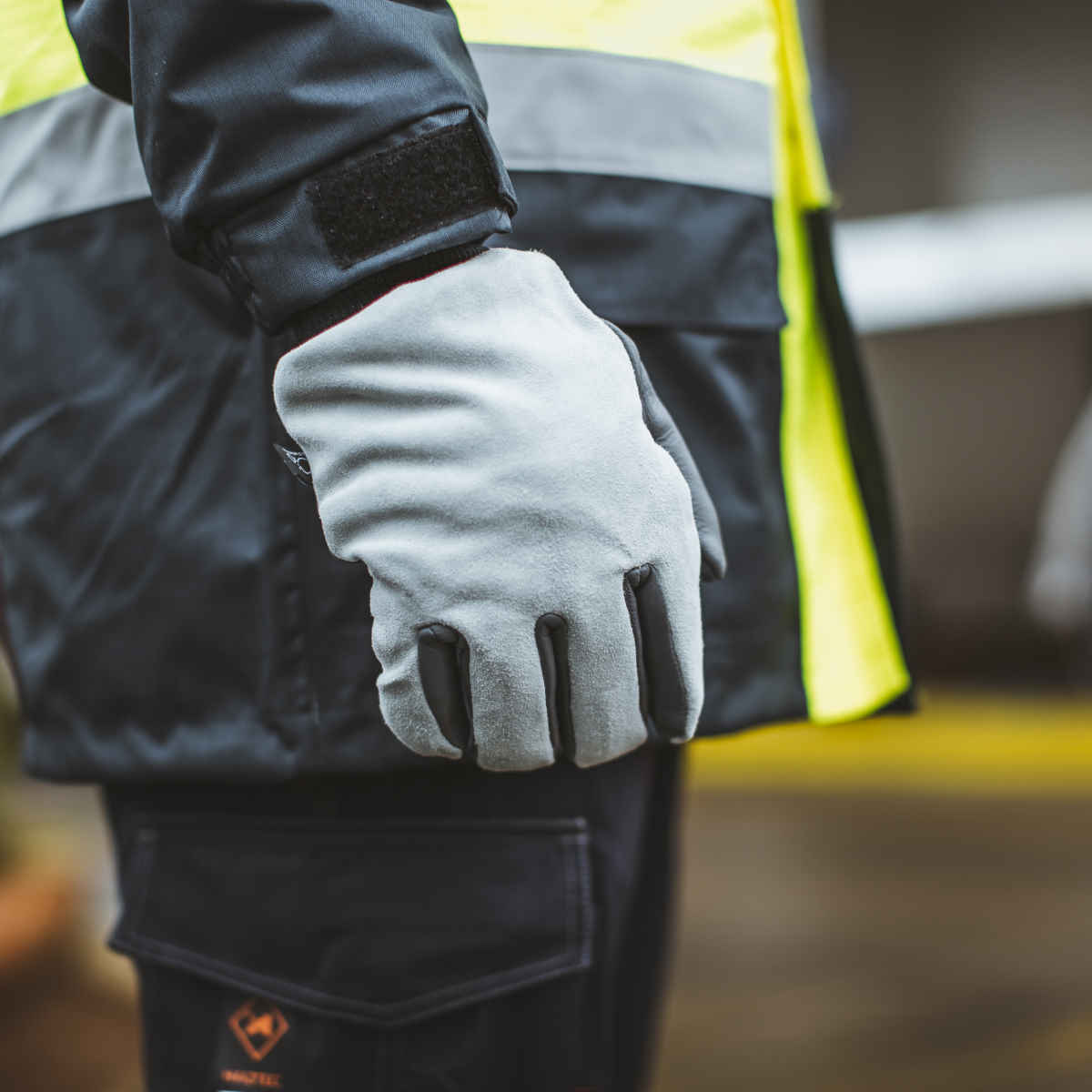 GL1828 Thermal Leather Water Resistant Gloves 3