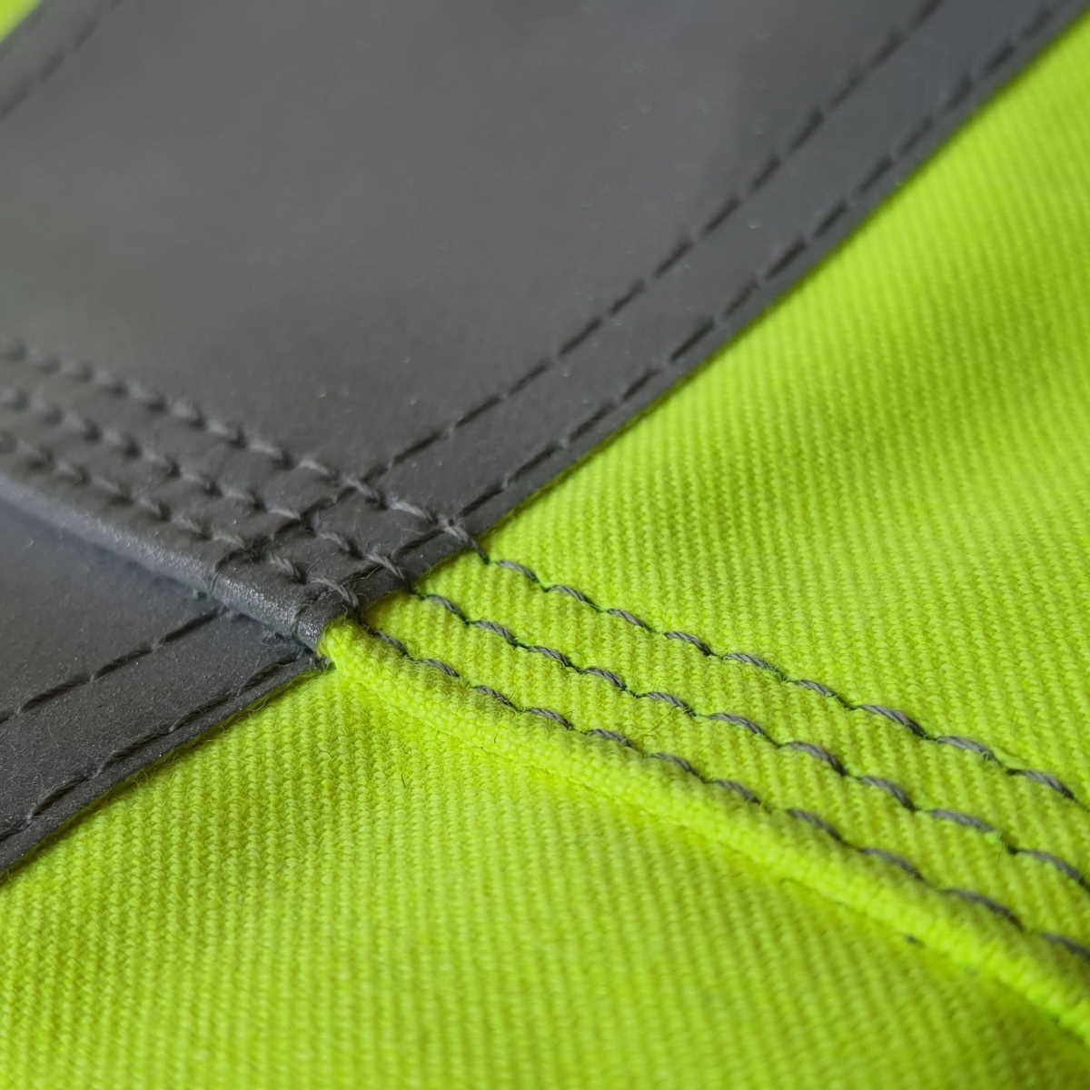 3-Needle Side Seams, Double Stitched Tape_Web