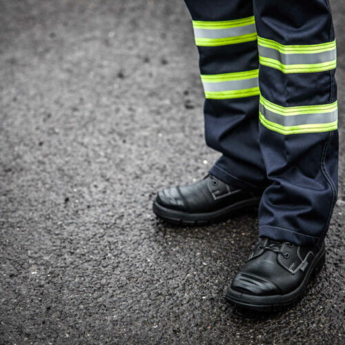 AS2304_HAZTEC® Furrial FR AS ARC Inherent Combat Trouser_Action 1