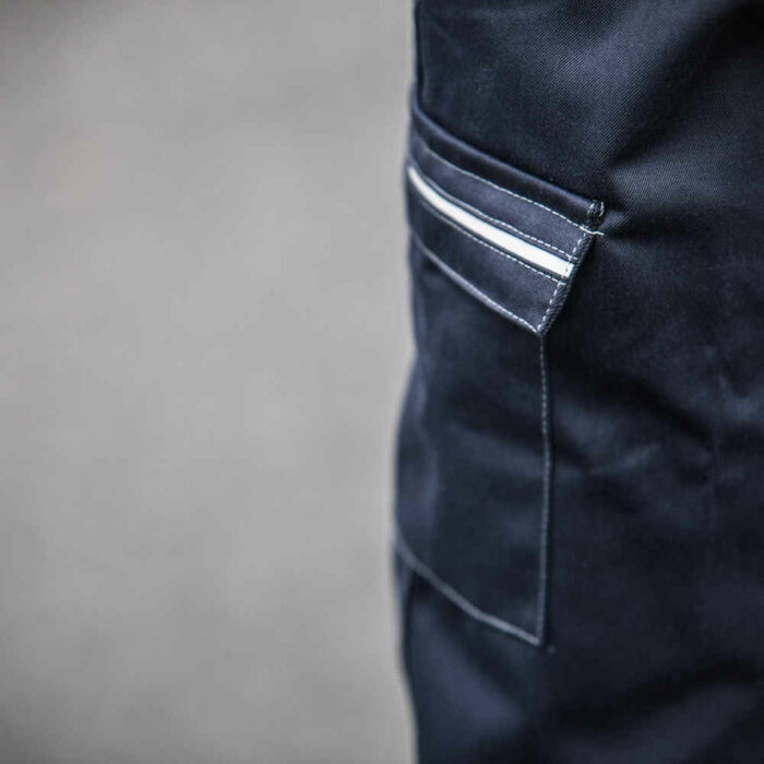 AS2304_HAZTEC® Furrial FR AS ARC Inherent Combat Trouser_Action 2